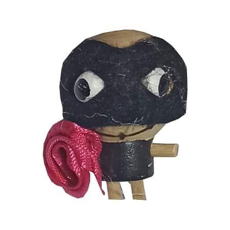 سرکلیدی چوبی عروسکی نقاب پوش